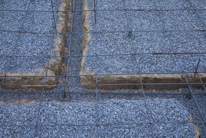 Πλαστικοί συναρμολογητές ενίσχυσης Πλέγμα καλωδίων σιδήρου για τα πατώματα των κτηρίων στοκ εικόνα