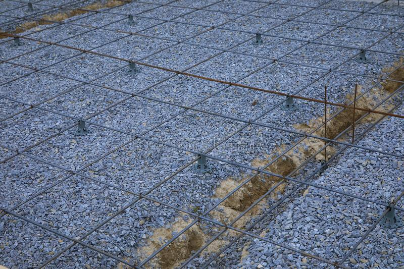 Πλαστικοί συναρμολογητές ενίσχυσης Πλέγμα καλωδίων σιδήρου για τα πατώματα των κτηρίων στοκ φωτογραφίες
