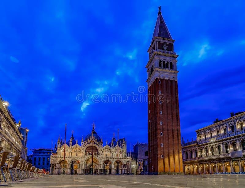 Πλατεία Αγίου Mark ` s με το καμπαναριό και τον Άγιο Mark ` s προέχων στοκ φωτογραφίες με δικαίωμα ελεύθερης χρήσης