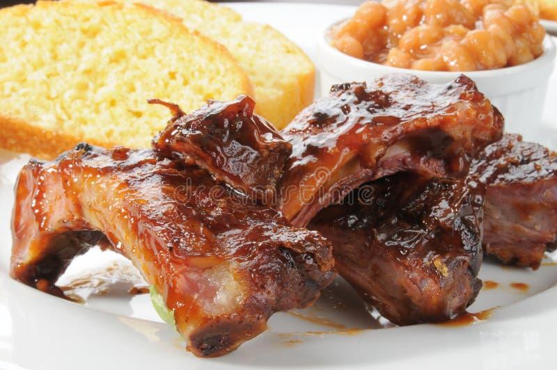 πλευρά χοιρινού κρέατος βόειου κρέατος στοκ εικόνες με δικαίωμα ελεύθερης χρήσης