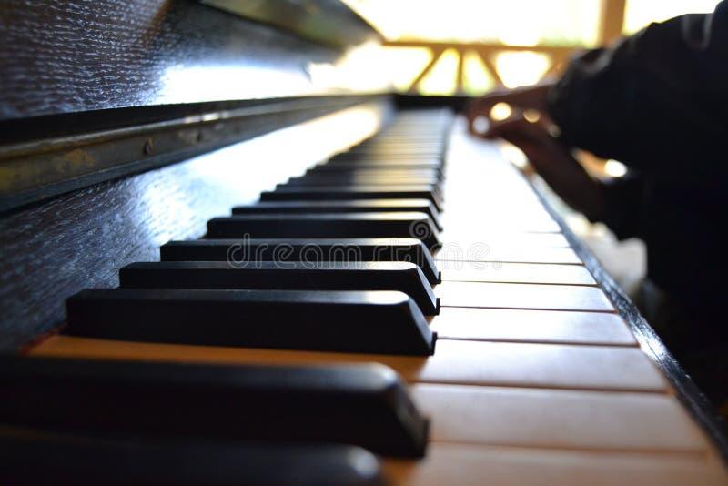 Πληκτρολόγιο πιάνων - εικόνα λεπτομέρειας στοκ εικόνα με δικαίωμα ελεύθερης χρήσης