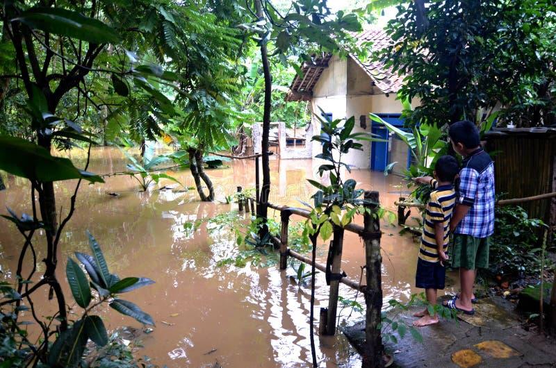 Πλημμυρισμένο σπίτι στην Τζακάρτα στοκ εικόνα
