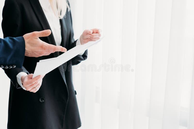 Πληροφορίες επιχειρησιακών εγγράφων αλληλεπίδρασης επικοινωνίας στοκ εικόνες