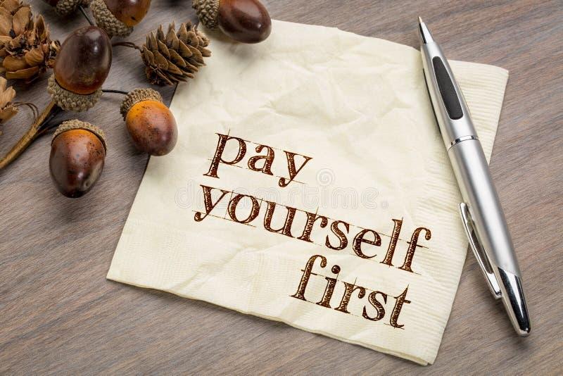 Πληρωθείτε πρώτα - οικονομικές συμβουλές στοκ εικόνες με δικαίωμα ελεύθερης χρήσης
