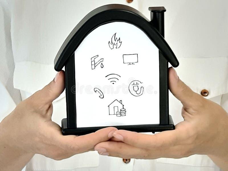 Πληρωμή για το σπίτι στοκ φωτογραφία με δικαίωμα ελεύθερης χρήσης