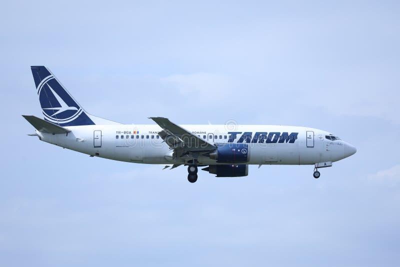 Πλησιάζοντας αερολιμένας αεροπλάνων Tarom, έτοιμος για την προσγείωση στοκ φωτογραφίες με δικαίωμα ελεύθερης χρήσης
