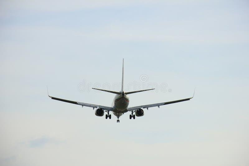 Πλησιάζοντας διάδρομος αεροπλάνων στοκ φωτογραφίες