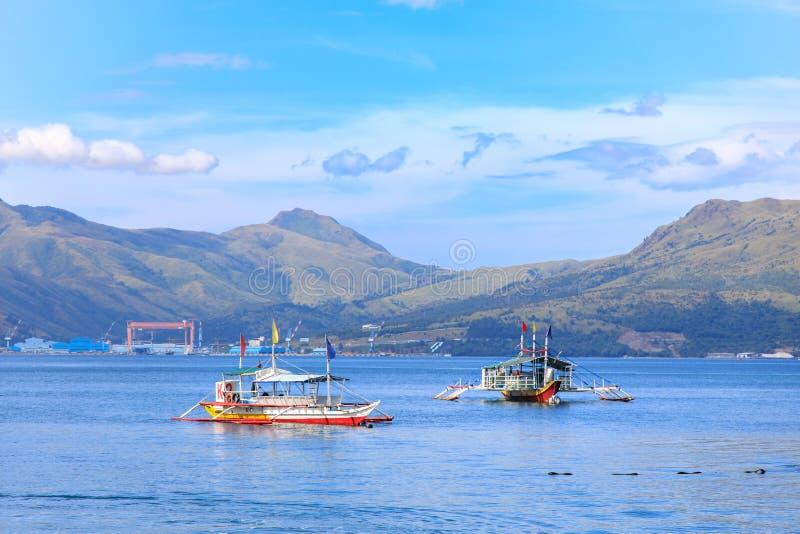 Πλοίο προετοιμάζεται για μια περιοδεία στο Subic bay, Subic, Φιλιππίνες, 22 Νοε 2019 στοκ εικόνα