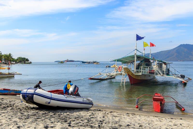Πλοίο προετοιμάζεται για μια περιοδεία στο Subic bay, Subic, Φιλιππίνες, 22 Νοε 2019 στοκ φωτογραφίες με δικαίωμα ελεύθερης χρήσης