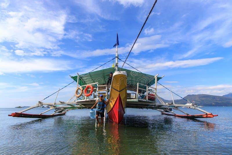 Πλοίο προετοιμάζεται για μια περιοδεία στο Subic bay, Subic, Φιλιππίνες, 22 Νοε 2019 στοκ εικόνες με δικαίωμα ελεύθερης χρήσης