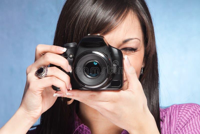 πνεύμα κοριτσιών φωτογραφικών μηχανών στοκ φωτογραφία με δικαίωμα ελεύθερης χρήσης