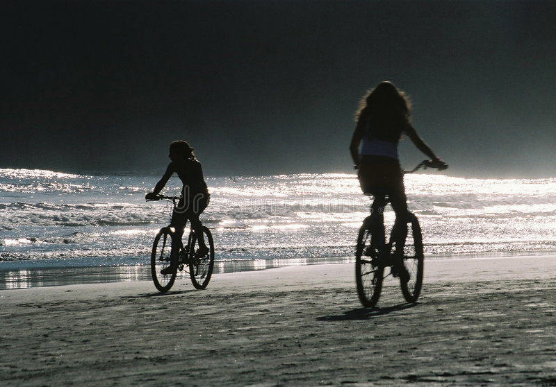 ποδήλατα απογεύματος Εκδοτική Εικόνες