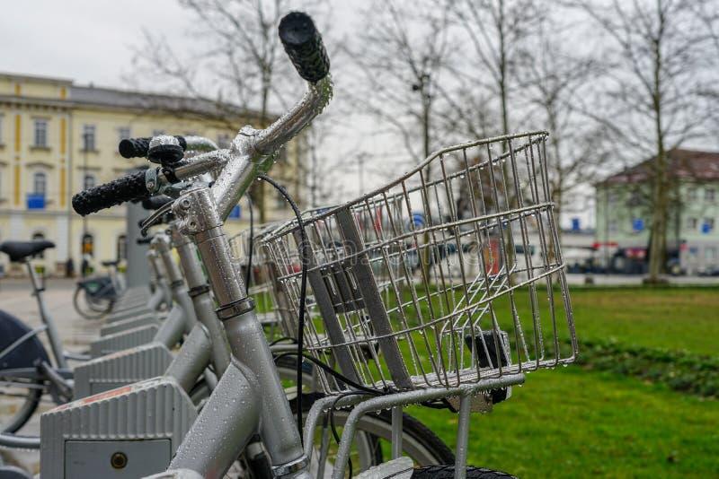 Ποδήλατα και πόλη, μεταφορά στοκ εικόνα με δικαίωμα ελεύθερης χρήσης