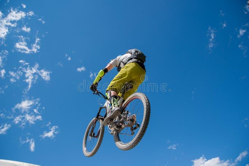Ποδήλατο άλματος στοκ φωτογραφία με δικαίωμα ελεύθερης χρήσης