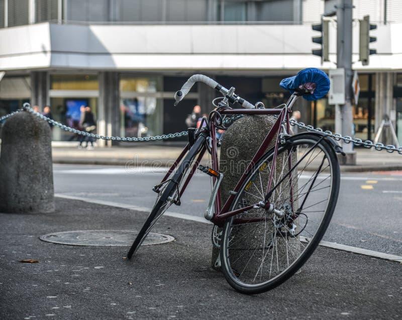 Ποδήλατο στην οδό Luzern, Ελβετία στοκ φωτογραφία με δικαίωμα ελεύθερης χρήσης