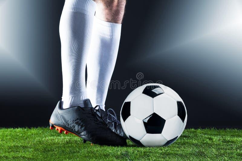 ποδόσφαιρο Αντιστοιχία Fotball Έννοια πρωταθλήματος με τη σφαίρα ποδοσφαίρου στοκ φωτογραφίες
