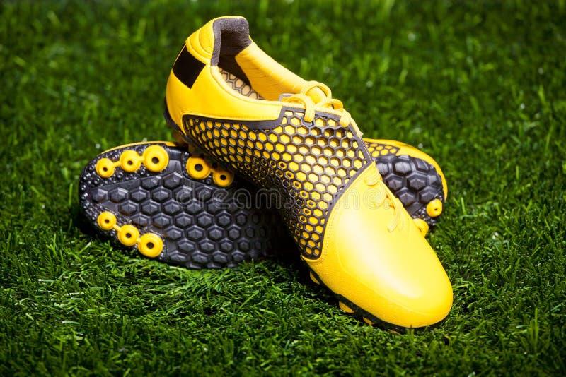 ποδόσφαιρο παπουτσιών ζ&epsil στοκ φωτογραφίες με δικαίωμα ελεύθερης χρήσης