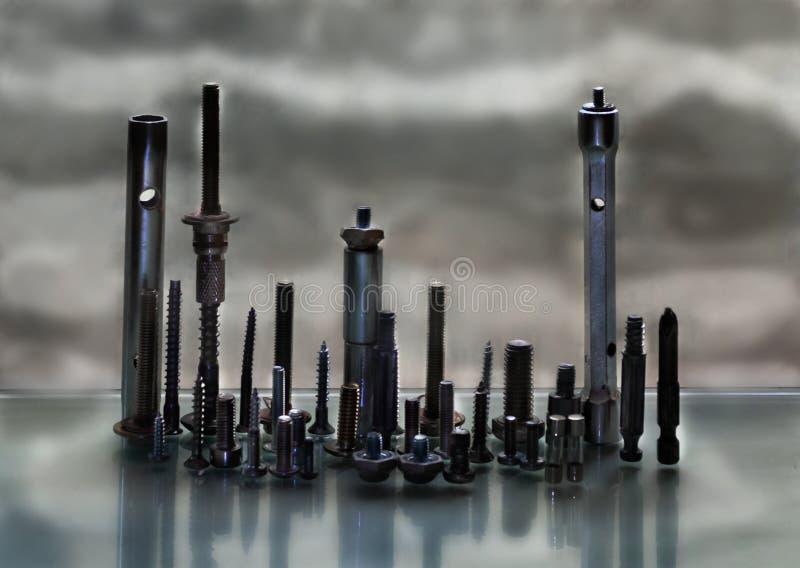 Ποικίλα εργαλεία, καρύδια, βίδες, καρφιά στοκ φωτογραφία με δικαίωμα ελεύθερης χρήσης
