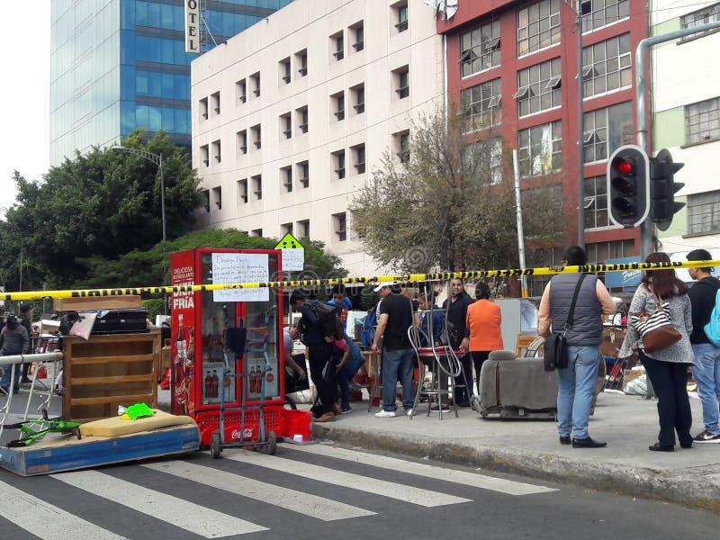 Πολίτες που διαμαρτύρονται megalopolis του Μεξικού urb στην αστυνομία στέγασης στην οδό στοκ εικόνα με δικαίωμα ελεύθερης χρήσης