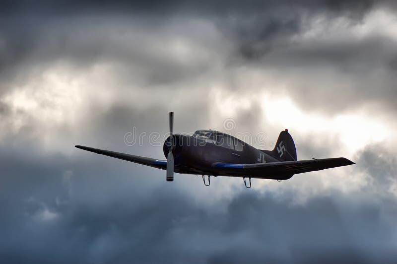 Download πολεμικά φτερά στοκ εικόνα. εικόνα από διαδρόμων, δραματικός - 17059647