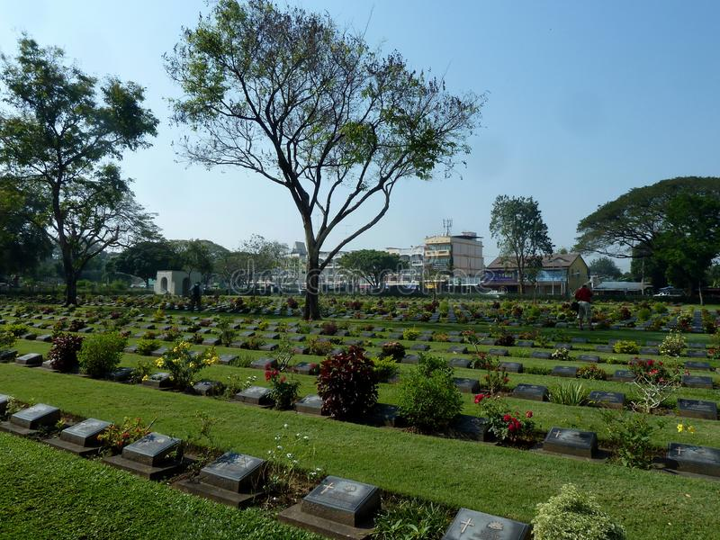 Πολεμικό νεκροταφείο Kanchanaburi στην Ταϊλάνδη στοκ εικόνα