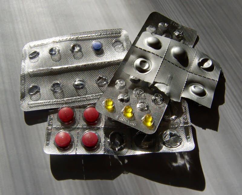 Πολλά διάφορα χάπια στοκ φωτογραφία