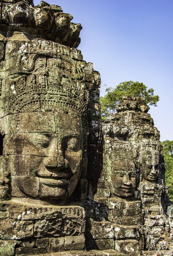 Πολλά πρόσωπα του Βούδα στοκ εικόνα