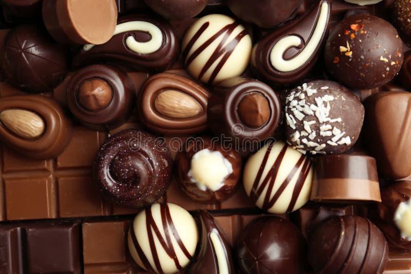 Πολλές διαφορετικές νόστιμες καραμέλες σοκολάτας στοκ φωτογραφία με δικαίωμα ελεύθερης χρήσης