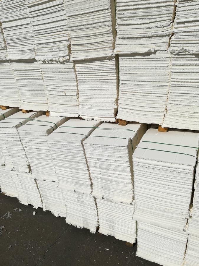 Πολτός χαρτιού για τη βιομηχανία χαρτιού, ακατέργαστο χαρτί στοκ φωτογραφίες