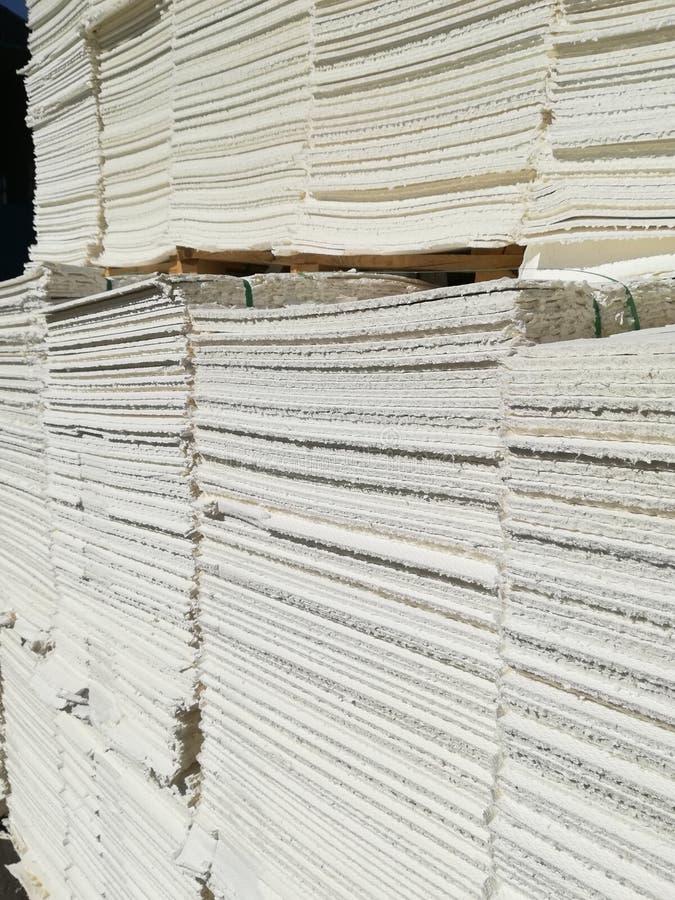Πολτός χαρτιού για τη βιομηχανία χαρτιού, ακατέργαστο χαρτί στοκ φωτογραφία με δικαίωμα ελεύθερης χρήσης