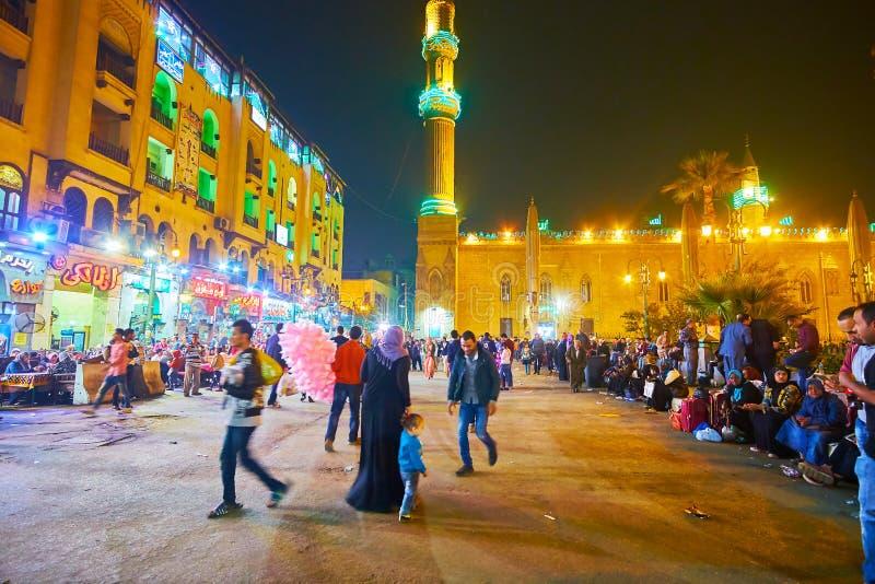 Πολυάσχολη πλατεία Hasan EL-Adawy βραδιού, Κάιρο, Αίγυπτος στοκ φωτογραφία
