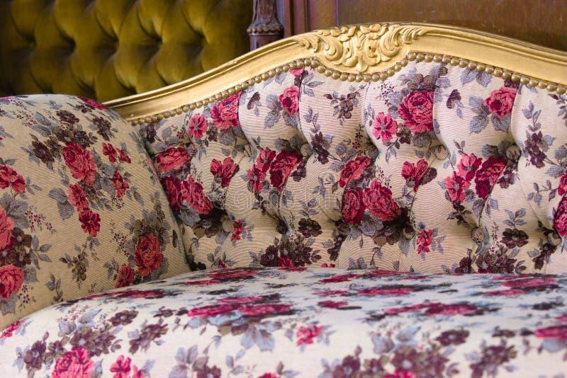 πολυτελής καναπές στοκ εικόνα με δικαίωμα ελεύθερης χρήσης