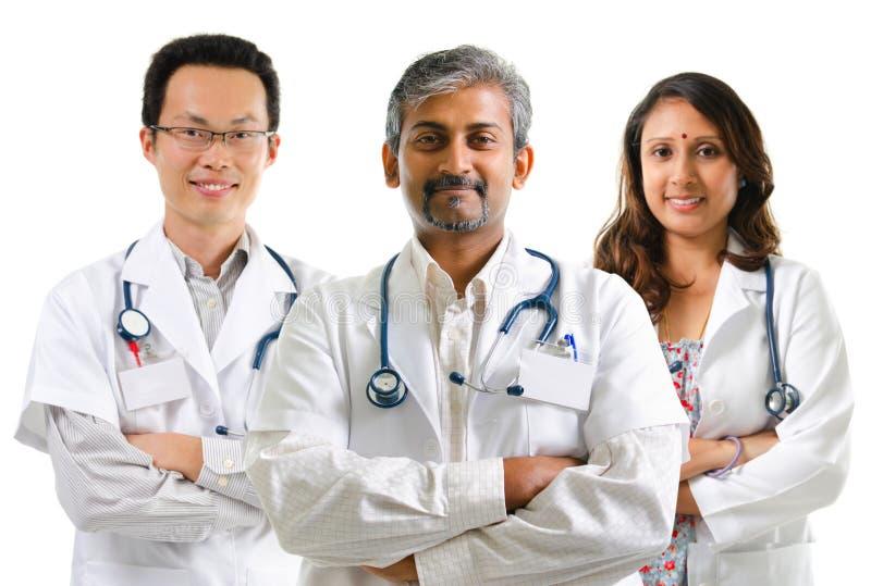 Πολυφυλετικοί γιατροί στοκ εικόνα με δικαίωμα ελεύθερης χρήσης