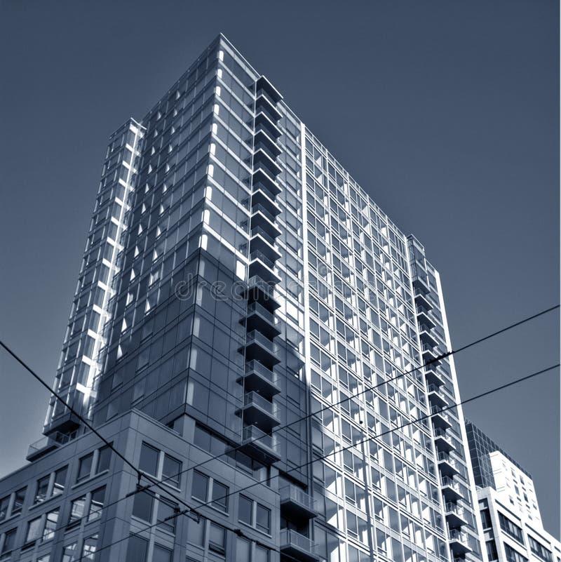 πολυόροφο κτίριο συγκ&upsil στοκ εικόνες