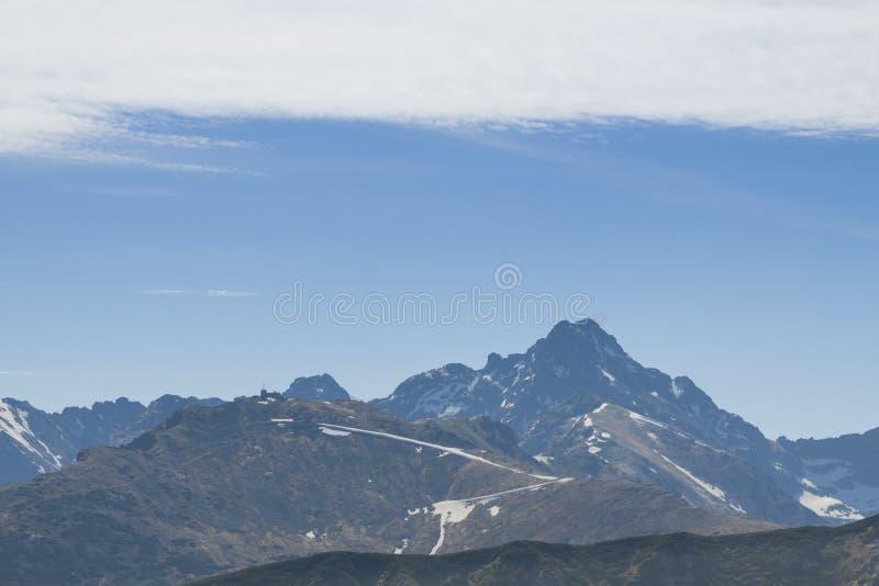 Πολωνία/Σλοβακία, βουνά Tatra, αιχμές Kasprowy και Swinica στοκ εικόνα