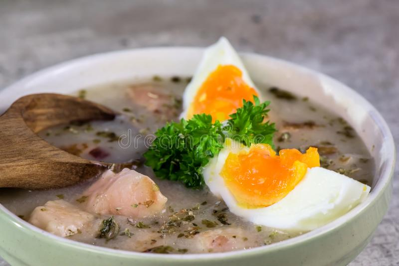 Πολωνική σούπα Πάσχας - Zurek στοκ εικόνα