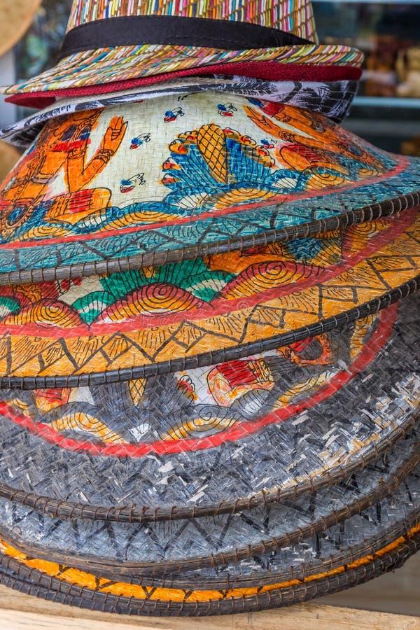 Πολύχρωμα ινδονησιακά καπέλα σε ενθύμιο στο Μπαλί στοκ φωτογραφία με δικαίωμα ελεύθερης χρήσης