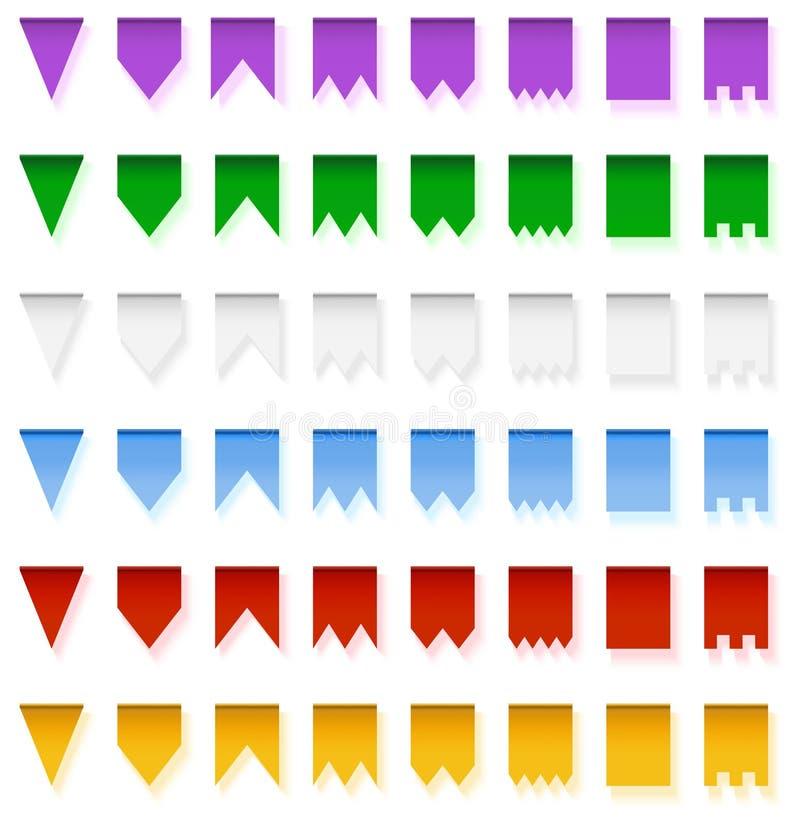 Πολύχρωμες φωτεινές γιρλάντες σημαιών που απομονώνονται στο άσπρο υπόβαθρο ελεύθερη απεικόνιση δικαιώματος