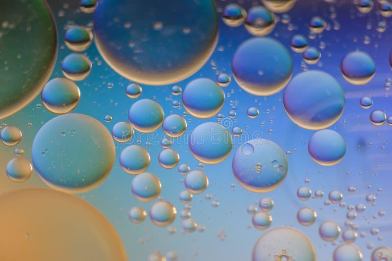 Πολύχρωμη αφηρημένη εικόνα υποβάθρου που γίνεται με το έλαιο, το νερό και το σαπούνι στοκ εικόνες με δικαίωμα ελεύθερης χρήσης