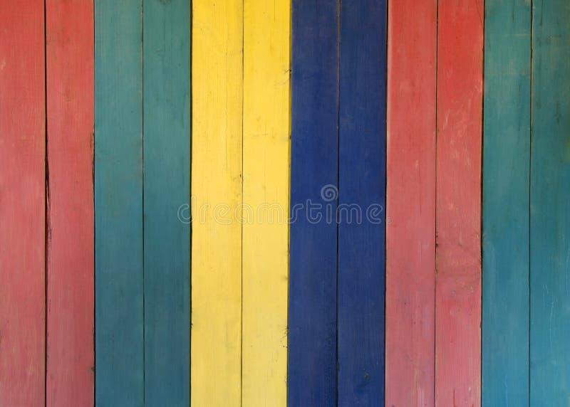 Πολύχρωμο ξύλινο υπόβαθρο στοκ φωτογραφίες