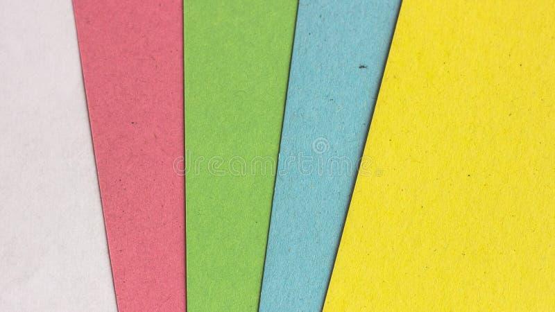 Πολύχρωμο υπόβαθρο εγγράφου Χαρτοκιβώτια των διαφορετικών χρωμάτων στοκ φωτογραφία με δικαίωμα ελεύθερης χρήσης