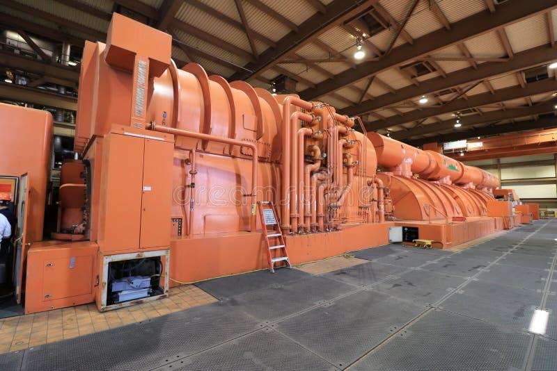 Πολύ μεγάλος ηλεκτρικός στρόβιλος στις εγκαταστάσεις παραγωγής ενέργειας στοκ εικόνες με δικαίωμα ελεύθερης χρήσης
