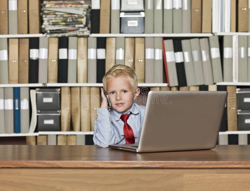 Πολύ νέος επιχειρηματίας στοκ φωτογραφία με δικαίωμα ελεύθερης χρήσης
