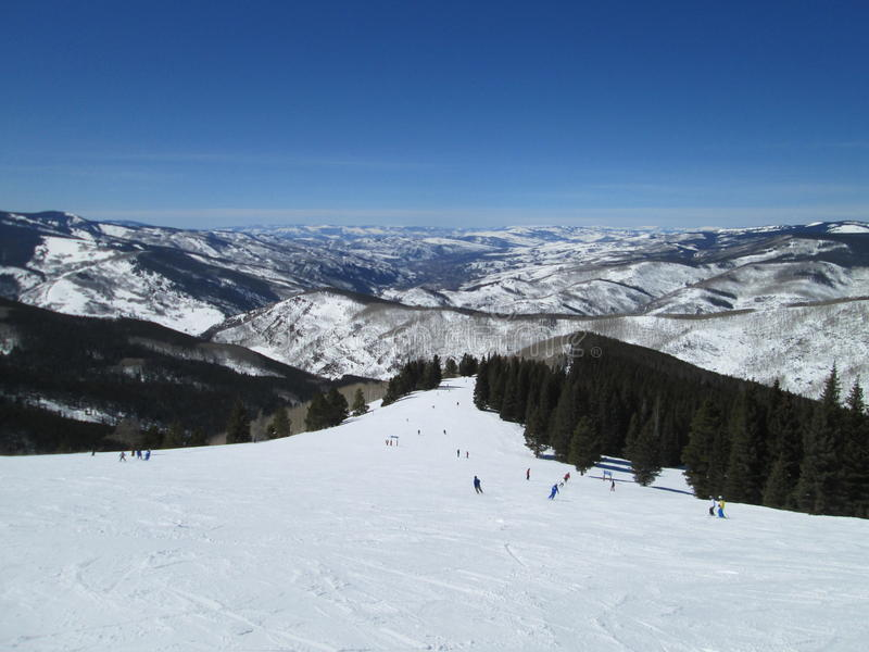 Πορεία σκι βουνών Vail το χειμώνα στοκ φωτογραφία με δικαίωμα ελεύθερης χρήσης