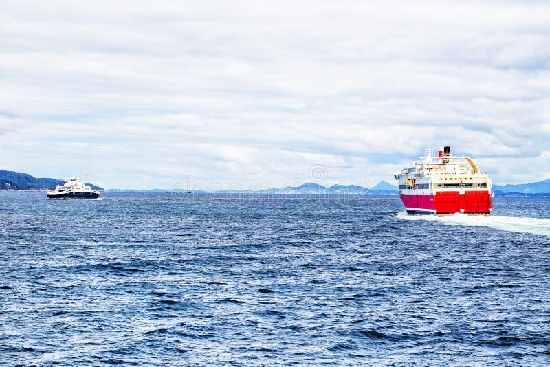 Πορθμείο στη θάλασσα στοκ φωτογραφίες με δικαίωμα ελεύθερης χρήσης