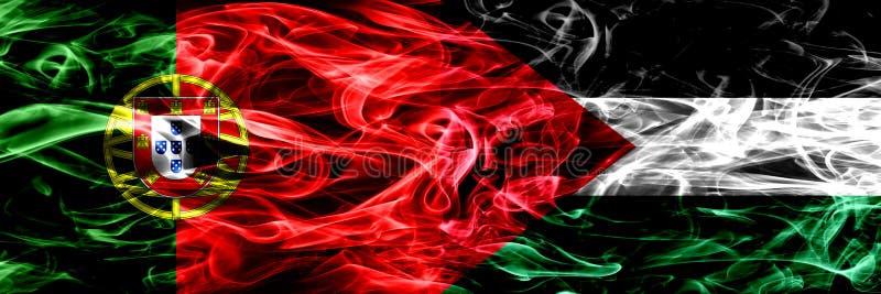 Πορτογαλία εναντίον της Παλαιστίνης, παλαιστινιακές σημαίες καπνού που τοποθετούνται δίπλα-δίπλα Πυκνά χρωματισμένες μεταξωτές ση απεικόνιση αποθεμάτων