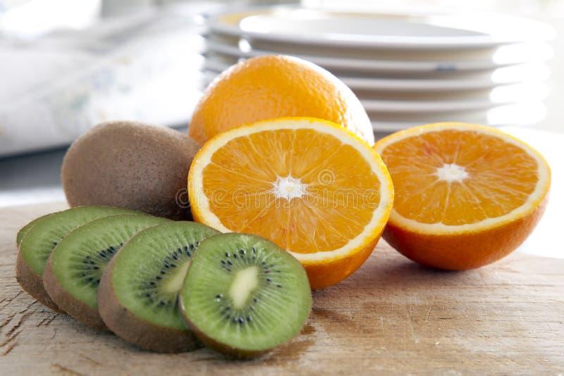 πορτοκάλια ακτινίδιων στοκ εικόνα με δικαίωμα ελεύθερης χρήσης
