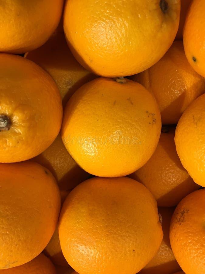 Πορτοκάλια στην αγορά στοκ φωτογραφία με δικαίωμα ελεύθερης χρήσης