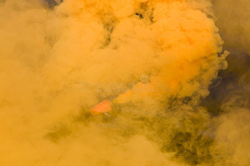 Πορτοκαλής καπνός στοκ φωτογραφία