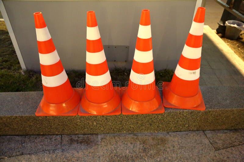 Πορτοκαλί σημάδι οδικών κώνων στοκ φωτογραφία με δικαίωμα ελεύθερης χρήσης